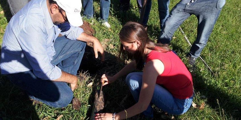 Trocando idéias sobre nogueiras-pecã com a gurizada da Escola Técnica Estadual Canguçu, Canguçu-RS. Teoria e prática.