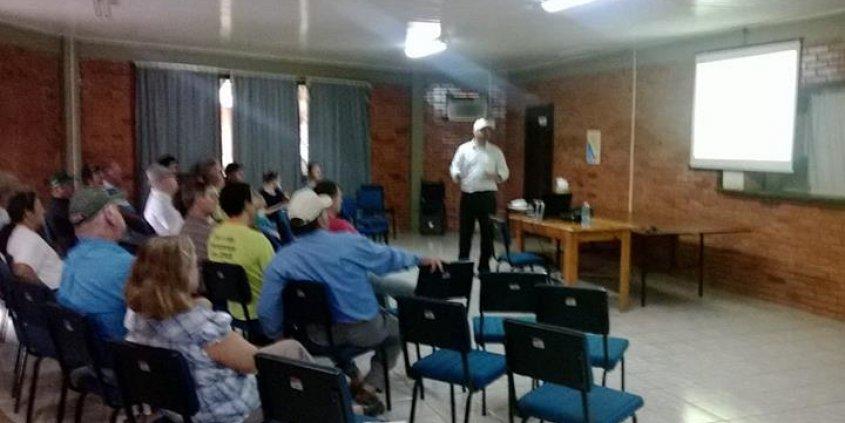 Palestra técnica e prática de plantio com agricultores de Nova Ramada - RS