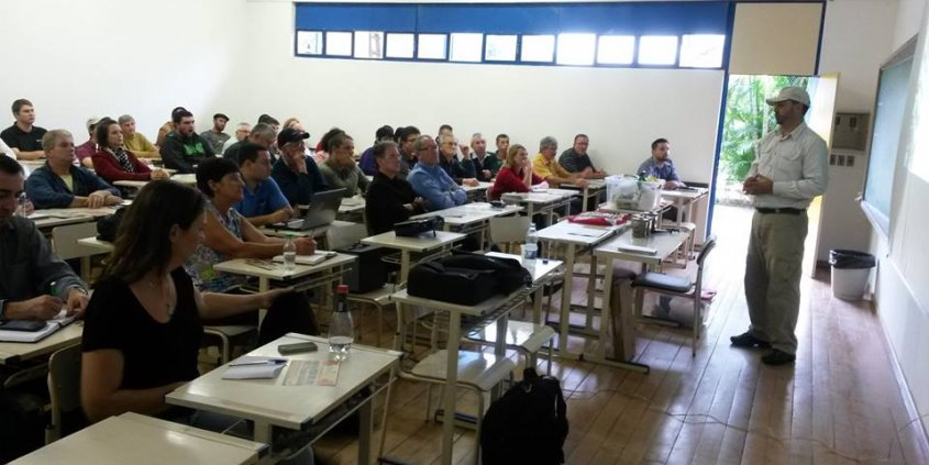 Curso técnico sobre o cultivo da nogueira-pecã em Taquara/RS